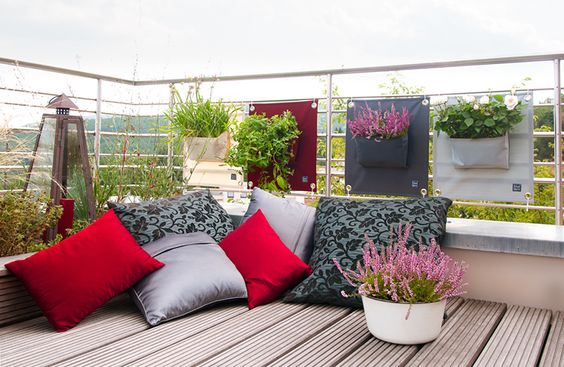wall planter outdoor use