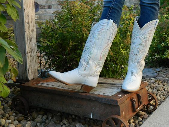 Women&39s Acme size 77.5 white cowboy boots by RubesRelics on Etsy