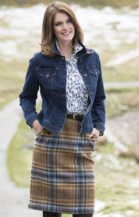 Ladies Classic Tweed Skirt