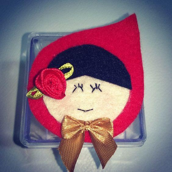 Caixinha para doces personalizada em feltro. Tema Chapeuzinho Vermelho