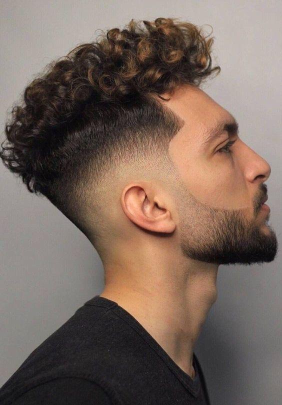 Hairstyle Men 2020 Short In 2020 Curly Hair Men Mens Hairstyles Curly Men S Curly Hairstyles