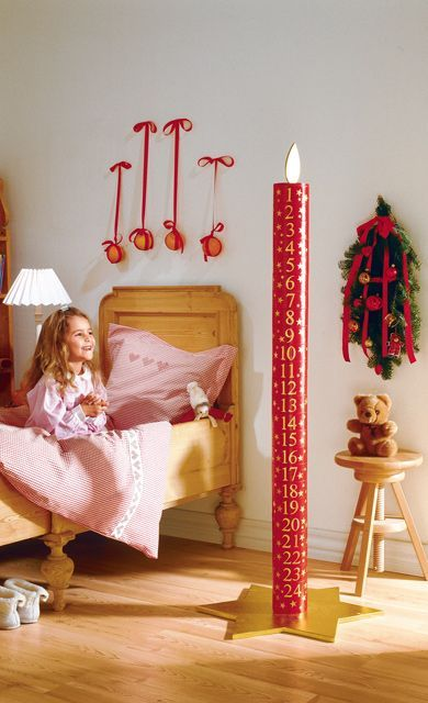 cooler adventskalender in kerzenform w hrend der adventszeit schrumpft die kerze basteln. Black Bedroom Furniture Sets. Home Design Ideas