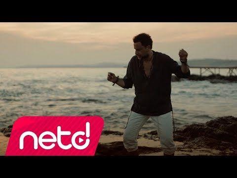 Bora Duran In Pasaj Garaj Muzik Etiketiyle Yayinlanan Sana Dogru Isimli Tekli Calismasi Video Klibiyle Netd Muzik Te Soz Sarki Sozleri Sarkilar Muzik