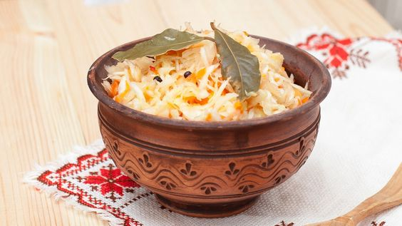 Une recette de chou au cumin épicé et à la noix de coco, présentée sur Zeste et Zeste.tv