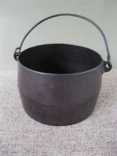 Antique Kettle Primitive 3 Qt Cast Iron Flat Bottom Bean Pot Bail Handl Gatemark