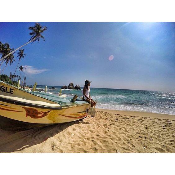 Ahhhh take me back to beautiful Sri Lanka . . .  image of Koggala via @florachristin