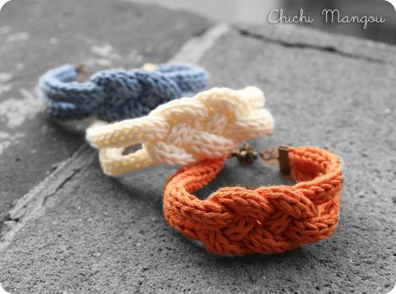 bracelet en tricotin diys pour mes 10 doigts pinterest. Black Bedroom Furniture Sets. Home Design Ideas