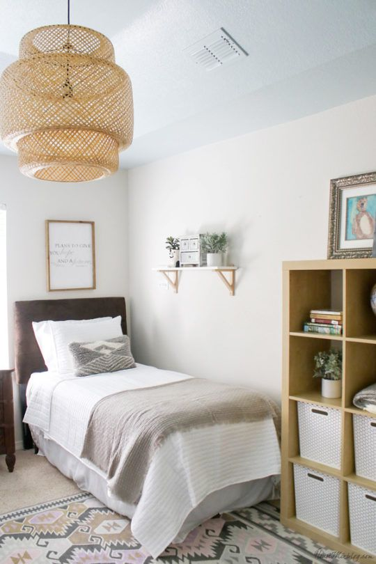 Neutral Guest Room With Twin Beds Blue Ceiling Bedroom