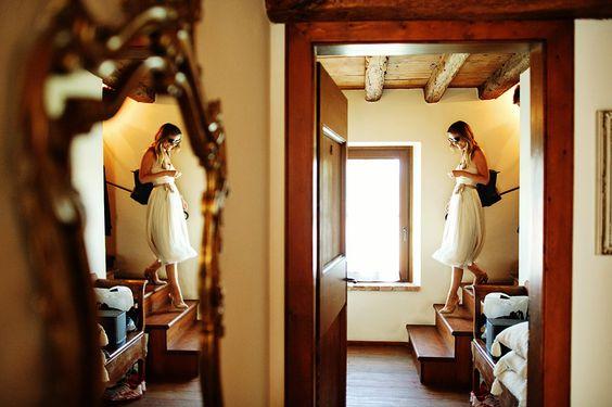 Bride on the wedding at Musella, Verona in Italy, is ready www.samorovan.com