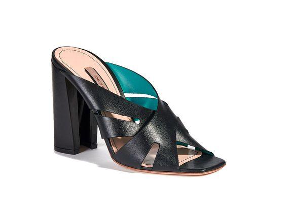 #desafashion #deri #sandalet #topuklusandalet #topuklu #ayakkabı #shoe #leather #sandals #highheeled #heeled #fashion