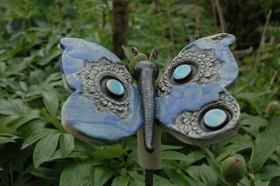Gartendekoration - Schmetterling-small - ein Designerstück von Kunst-und-Keramik bei DaWanda