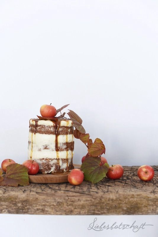Oktober-Weekend: Bratapfeltorte mit Karamell, Rosefield und schönster Schmuck.