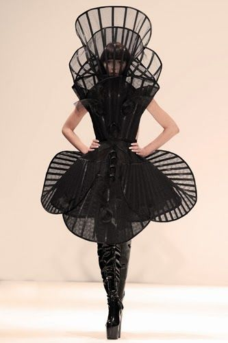 Wearable Sculpture - black dress form with rigid architectural structure; fashion meets art // Pam Hogg SS13: