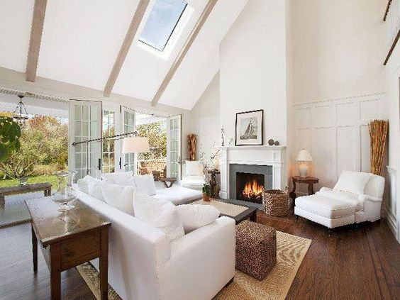 Hamptons Style Living Room Arranged Around Fireplace