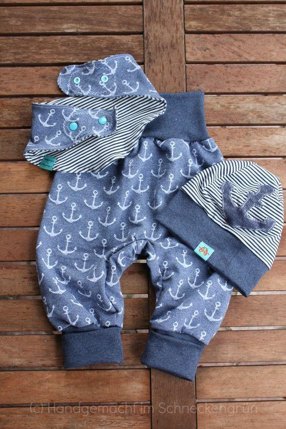 Maritimes Kleidungsset für Kinder, Mütze, Hose, Kinderkleidung mit Ankern / maritime kids cloth set with beanie, trousers and bib made by Handgemacht im Schneckengrün via DaWanda.com