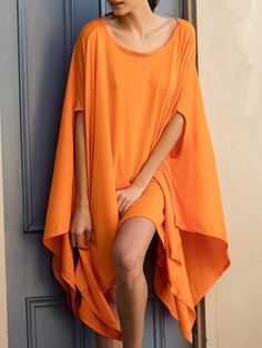 Stylish Batwing Sleeve Asymmetric Solid Color Dress For Women