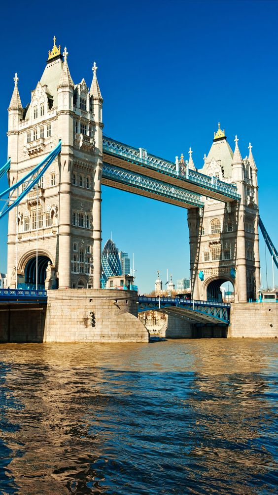 Famous Tower Bridge, London, UK    |    Amazing Photography Of Cities and Famous Landmarks From Around The World