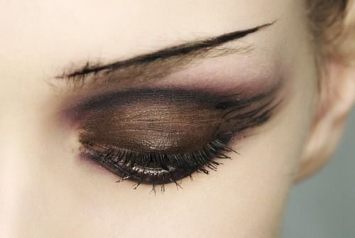 love the makeup: