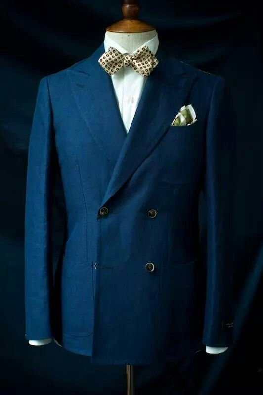 Linen Double Breast with pointed bowtie