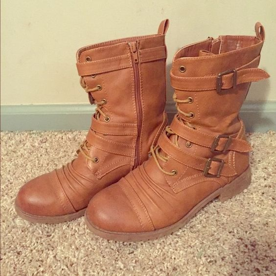 Brown Lace-up Combat Boots Super cute! Minimal wear, small dark ...