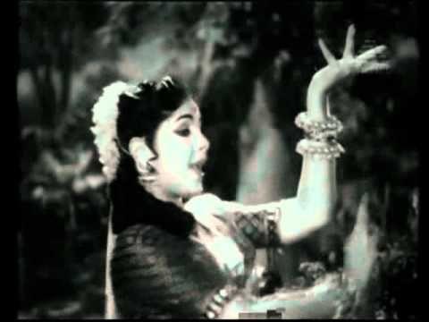Paalatil Theladudud Koduthu Vaithaval Cute Romantic Song Youtube Romantic Songs Mp3 Song Songs
