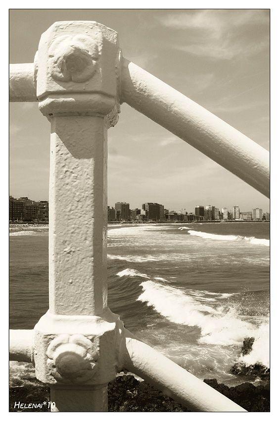 """""""Miradas, palabras y sentidos..."""": """"Delicia de los ojos..."""" Playa de San Lorenzo"""