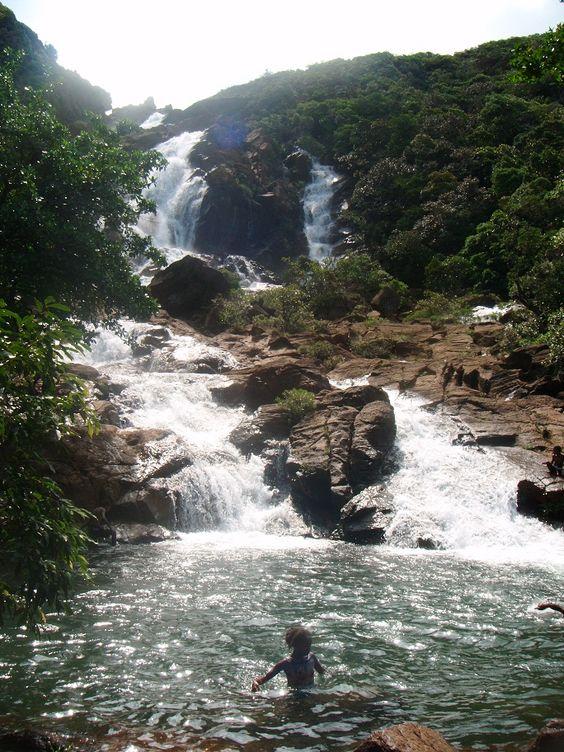 Nouvelle-Calédonie : Yaté, la cascade de Goro
