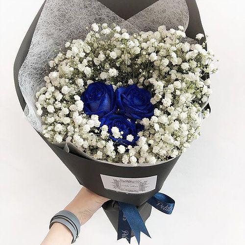 Blue Ecuador Roses With Fluffy Baby S Breath Petitefleursg Sgflorist Floristsg Florist Weddinginspiration Gif Everyday Bouquet Petite Fleurs Flower Power