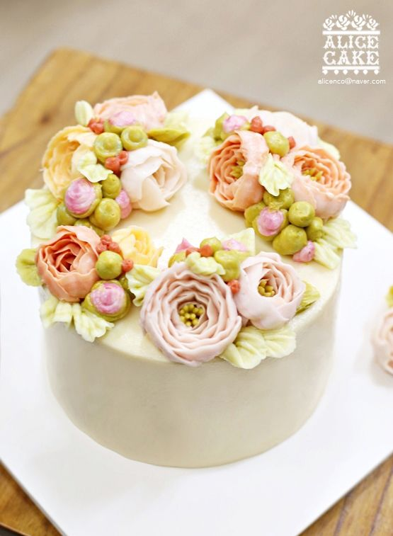 butter cream peony cake made by Alice
