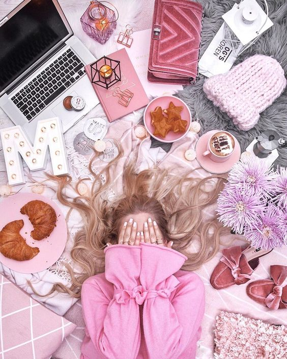 "FASHIONBLOGGER  (@thestylevisitor) on Instagram: "" MONDAY STRUGGLES This is how I feel about Monday  How do you like this flatlay and how was your…"" #flatlay #pink #photography"