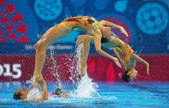 Italy compete in the Synchronized Swimming - Francois Nel/Getty Images for BEGOC