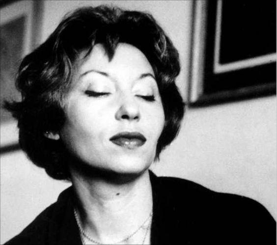 Compartilhe frases de Clarice Lispector. Escritora brasileira, reconhecida como umas das mais importantes do século XX.