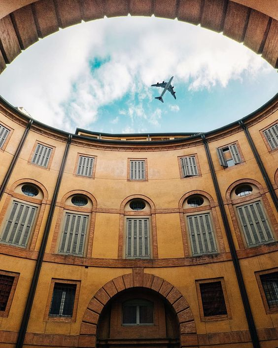 Teatro Comunale di Ferrara _______ #Ferrara #Emiliaromagna #architecture #igersitalia  #ig_italy #gf_italy #instaitalia #italian_places #ig_italia #top_italia_photo #vivo_italia  #italian_trips #italianlandscapes #italy_vacations #yallersitalia  #loves_madeinitaly #igworldclub #ig_europe #ig_europa  #ok_europe #topeuropephoto #europe_vacations #cbviews #ig_world_colors  #worldplaces  #theworldshotz #loves_europe #igs_europe #kings_villages #travellingthroughtheworld by dorpell