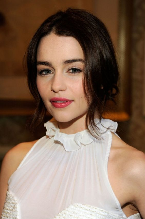 Emilia Clarke from Game of Thrones, love the hair and natural makeup