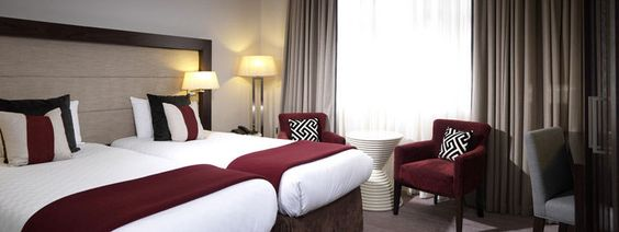 Kingsley hotel London in Bloomsbury is one the luxury 4 star hotels associated with the Thistle hotels group offering top class and luxury accommodation in central London. You can obtain some of the best 4 star hotels deals and special hotels offers in London from Thistle hotel. Log on to http://thistlelondonhotelsrooms.co.uk/thistle-hotels/thistle-hotels-london-special-deals-offers.htm to check out some of these great deals. Just follow links to go to Thistle hotels deals page.
