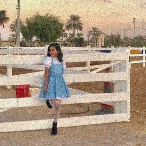 Pin By يوسف المولام On اااا Girl Photography Poses Photography Poses Girl Photography