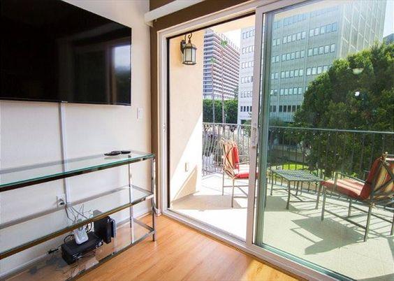 Two Bedroom Los Angeles Vacation Apartment LALUX-2L #VacationRental #Apartments #DTLA #LosAngeles #California #USA #LA #CorporateHousing #HotelAlternative #travel #accommodation #vacation #rental #interiordesign #interior #design  #destination