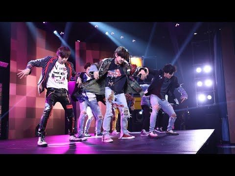 Afraid That The Stage Will Fall Down Bts S Staff Did Not Hesitate To Use Their Hands To Protect Bts Youtube Fake Love Bts Youtube Fun To Be One