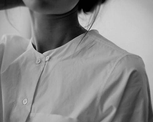 Chemise fine blanche, col rond