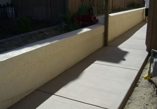 Block Wall In San Diego With Agundez Concrete Concrete Retaining Walls Cinder Block Walls Retaining Wall