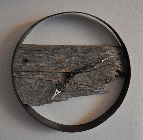 rustikale scheune holz wanduhr beautiful weinf sser und. Black Bedroom Furniture Sets. Home Design Ideas