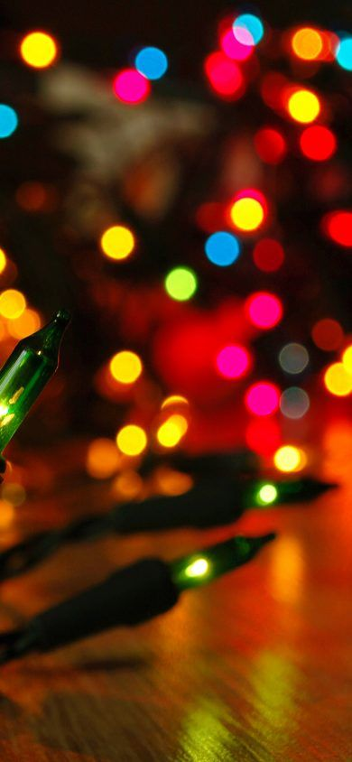 30 Beautiful Christmas Wallpapers For Iphone Xs And Iphone X Wallpaper Iphone Christmas Christmas Lights Background Christmas Wallpapers Tumblr Christmas lights wallpaper tumblr