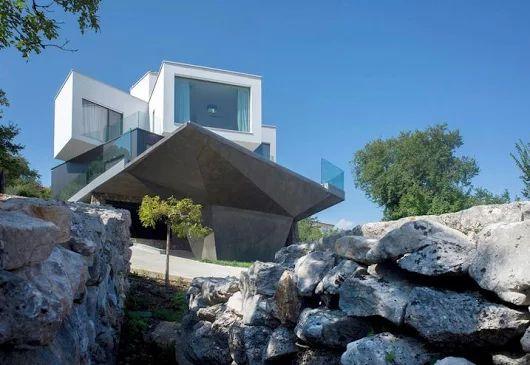 Villa with private pool | Cantilevered terrace | In Croatia   - Elle Decor Italia