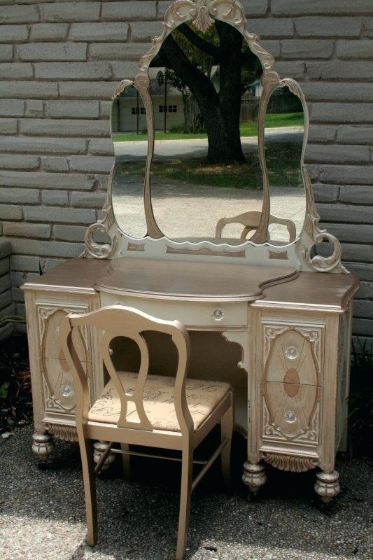 Antique Vanity Table White Vanity Set With Images Painted Vanity Painted Furniture Antique Vanity