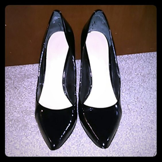 Nine West Black Pantent Leather Heels Great work shoe. Reinforced tips added to bottom of shoe due to wear. Some scuffs. Worn, shoes are NOT in perfect condition. Nine West Shoes Heels