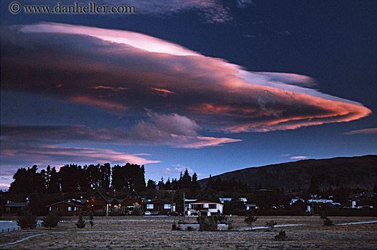 Lenticular clouds | lenticular-clouds-sunset...