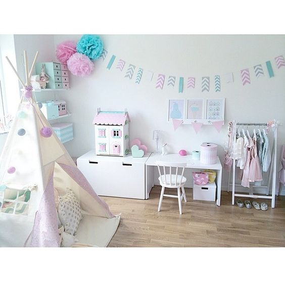 Pastel details in little girl's room - play tipi, dollshouse, desk and dress up area by prialb on Instagram
