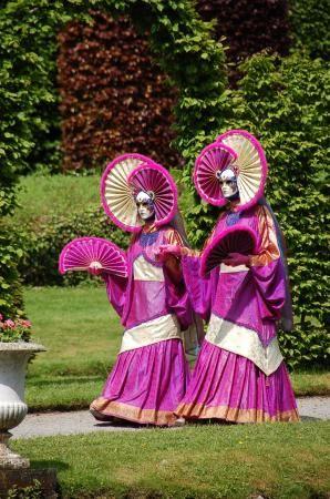 Costumés de Venise aux Jardins d'Annevoie   ArdenneWeb