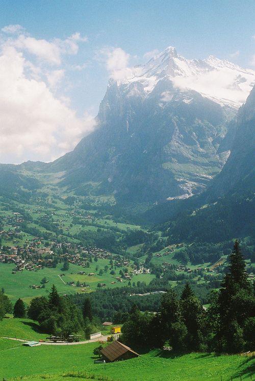 Grindelwald ~ Switzerland (by caitlin frunks)