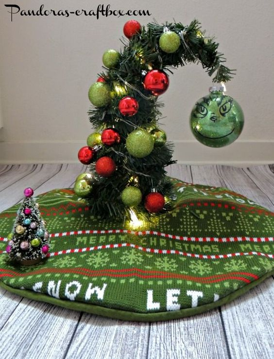 Grinch christmas grinch christmas decor christmas for Small christmas tree ornaments to make